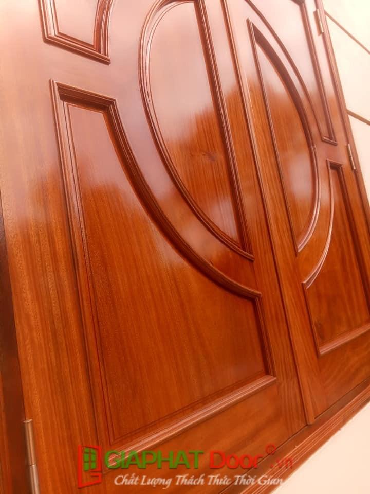 cửa gỗ tự nhiên đẹp và bền