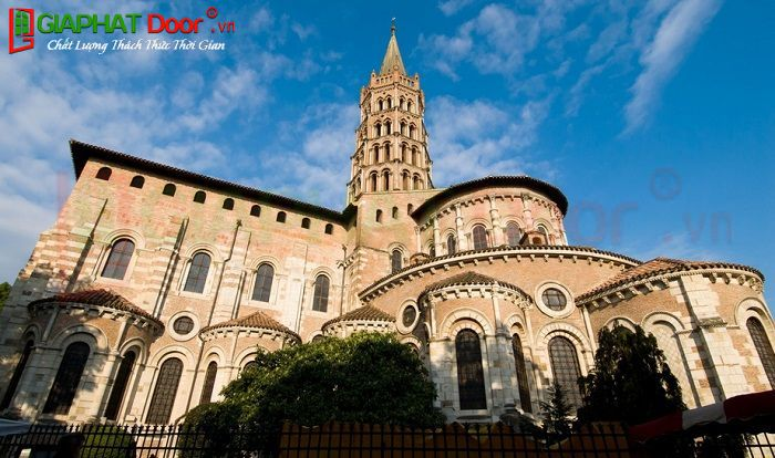 Kiến trúc Roman Nhà thờ Saint Sernin